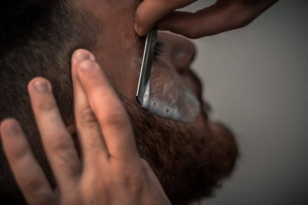 how to prevent razor bumps on your face after shaving