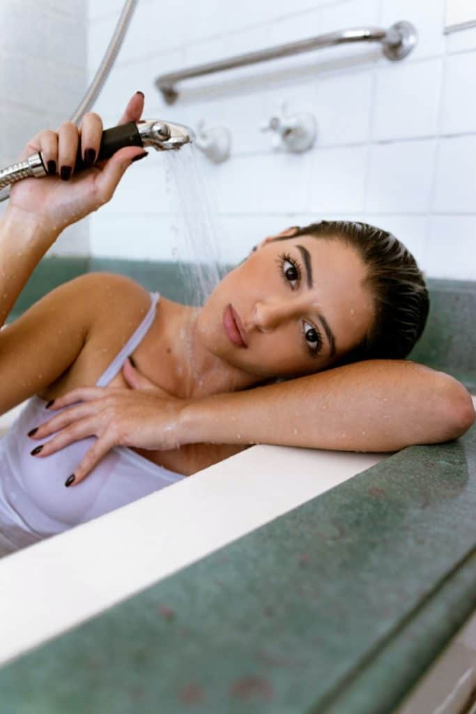 can cold showers help you lose weight