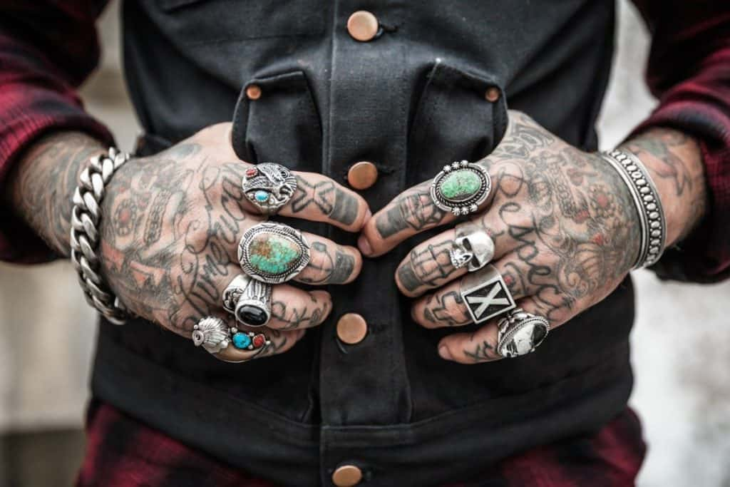side hand tattoo pros and cons