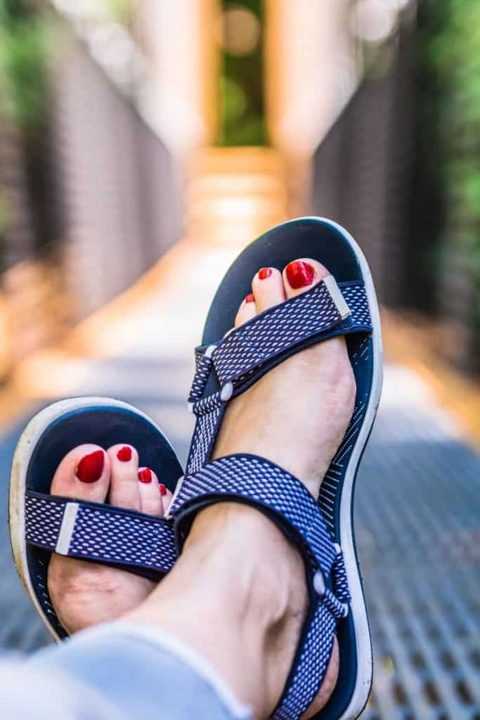 are sandals business casual