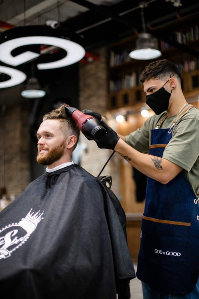 how much does the average barber make per year